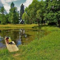 Милое лето у старинного пруда... :: Sergey Gordoff