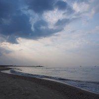The Box - пляж эмоций.. Там утро начиналось так... :: Александр Резуненко