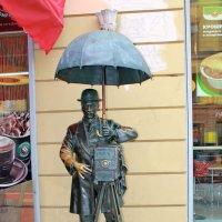 Памятник петербургскому фотографу :: Александр