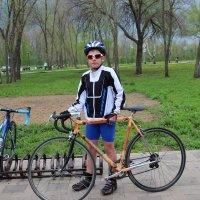 Мальчик и велосипед. :: венера чуйкова