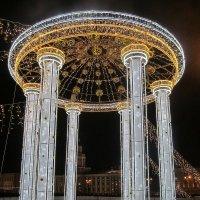 Светящаяся ротонда на Дворцовом мосту :: Елена Павлова (Смолова)