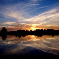 Закат на реке Преголя... :: Антонина Гугаева