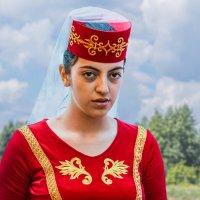 Девочка в армянском костюме :: Nn semonov_nn