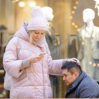 Я деду Морозу звоню, не волнуйся, милый, будет тебе на Новый год самокат :: Борис Гольдберг
