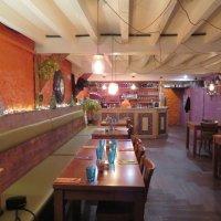 Первые посетители в ресторане-мы! :: Natalia Harries