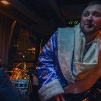 Для храбрости – шампанского глоток, вперёд и с песней! :: Ирина Данилова