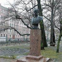 Памятник бюст Петру Ильичу Чайковскому. :: Виктор Егорович