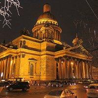 Исаакиевский собор накануне Рождества. :: Валентина Жукова