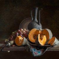 натюрморт с тыквой и виноградом :: Evgeny Kornienko