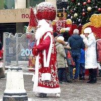 Дед Мороз уходит в отпуск! :: Татьяна Помогалова
