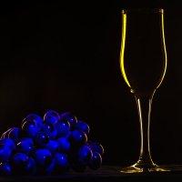 Виноград и стекляшки :: Георгий Кулаковский