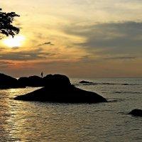Вечер, берег моря, чарующий закат — вот это счастье! :: Вадим Якушев
