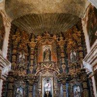 Изображение Св. Франциска Ксаверия (1506-1552, он в белом одеянии) в одноименной церкви (Аризона) :: Юрий Поляков