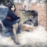 Девушка у камина :: Юрий ОВОДКОВ