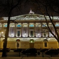 Дивный свет Российской Национальной библиотеки... :: Sergey Gordoff
