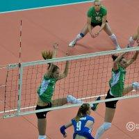 Прыжки в высоту? Нет...синхронный волейбол! :: Иван Виноградов