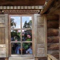 Окошко в доме ключницы :: Анна Воробьева