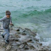Мальчик и волны :: Анна Удалова
