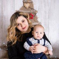 Девушка с ребёнком :: Valentina Zaytseva