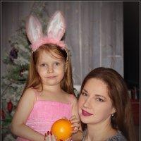Портрет с апельсином. :: Anatol Livtsov