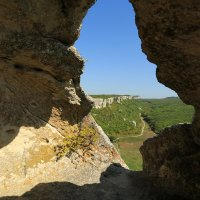 Крым,пещерный город Эски Кермен :: Ninell Nikitina