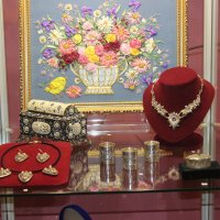 Цветы и серебряные изделия :: Дмитрий Солоненко