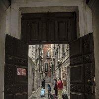 Venezia. Sotoportego e calle de Mezo. :: Игорь Олегович Кравченко