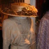 шляпка и платье :: Дмитрий Солоненко