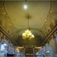 Потолок в доме Демидовых :: Вера
