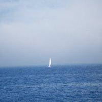 Белеет парус одинокий в тумане дымки голубой :: Alla Alla