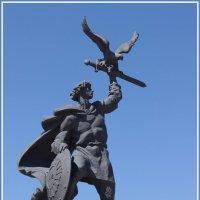 Памятник Владимиру Андреевичу Храброму. :: Николай Панов