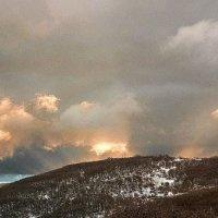 Зимнее небо... Гора Чатырдаг... :: Сергей Леонтьев