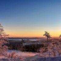 Зимний восход :: vladimir Bormotov