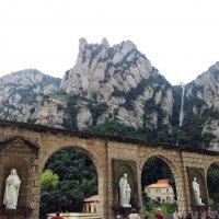 Горы и монастырь Монсеррат,Испания :: svetlana.voskresenskaia