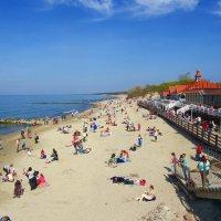 Балтийский пляж :: Сергей Карачин