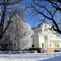 Парк у Дворца Железнодорожников :: Елена Кирьянова