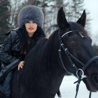Верхом на коне. :: Анжелика Маркиза