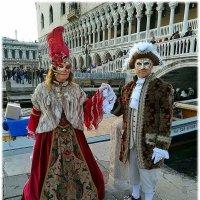 В карнавале сама жизнь играет, а игра на время становится самой жизнью..... :: Tatiana Markova