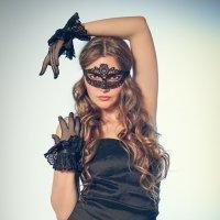 Тамара в маске :: Александр