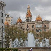 Хмурым днём Барселона не хмурится :: liudmila drake