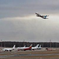 Летчик набирает высоту :: Алексей Филатов
