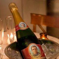 15 лет работы на заводе шампанских вин не прошли зря... :: Александр Корчемный