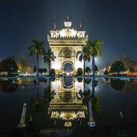 Триумфальная арка Патусай, Вьентьян, Лаос :: Дмитрий