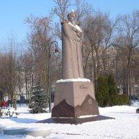 СПб.В.О. Памятник Николаю Рериху :: Таэлюр
