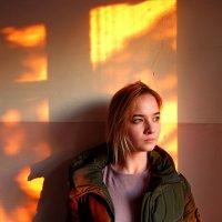 Солнце посылает свой последний взгляд... :: Бажина Нина
