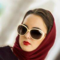 Девушка в очках :: Андрей Володин