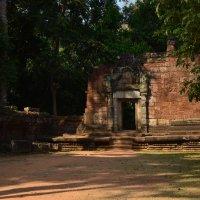 Древние стены Ангкор Вата :: Алексей Альбин