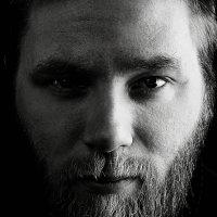 Солдат — это профессия, боец — черта характера, а воин — это состояние души. :: Павел Крутенко