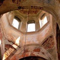 Остатки храма Белосельских-Белозерских в Лен. области :: Наталья