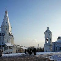 Церковь Святого Георгия с Колокольней (справа), ансамбль усадьбы Коломенское :: Елена Павлова (Смолова)